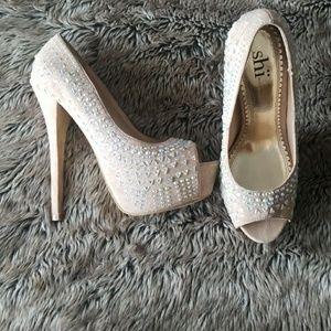 Shii by Journeys cream platform heels w crystals